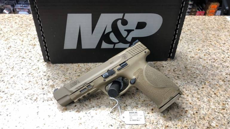 Like New Smith & Wesson M&P9 FDE